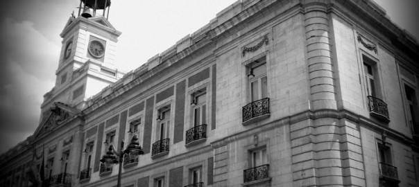 Treffpunkt bei den spanischen Anti-Regierungs-Protesten: Die Puerta del Sol in Madrid / Foto: David Adam Kess, Wikimedia commons